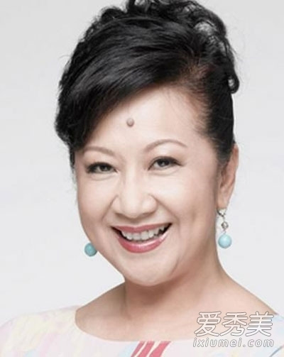 刘亦菲胡静范晓萱 脸上长痣仍很美的女星