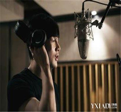 安泰娱乐:请问李荣浩的女朋友是谁 为你揭