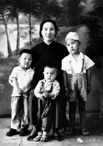 革命与爱:毛泽东与家人罕见生活照