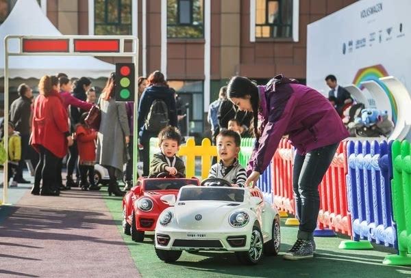 2015中国儿童乘车与道路安全倡导路演活动在晋启航