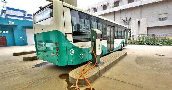 石家庄鹿泉区首个公交车充电站投入使用