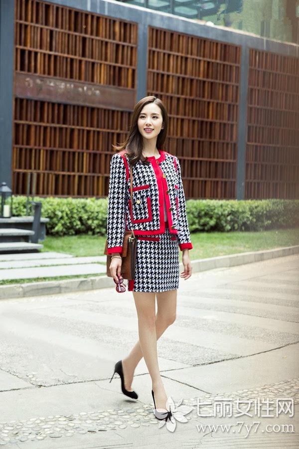 刘诗诗最新生活街拍 甜美妞生活中也很有女人味