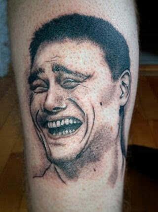 姚明囧笑成纹身登球迷小腿 哭笑不得表情图经久不衰