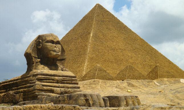 揭秘:神秘古埃及金字塔至今未解之谜
