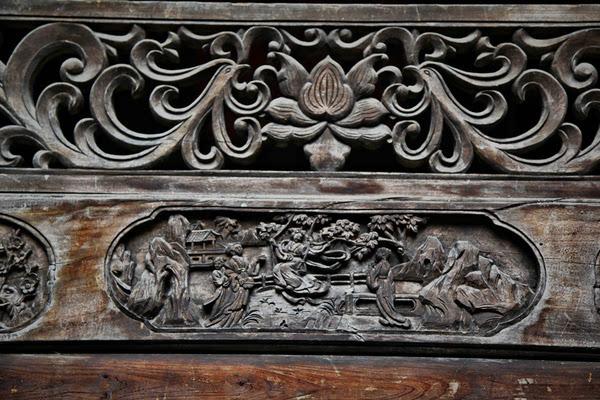 木雕雕刻里面的人物大多选择八仙,寿星,天官,关帝,钟馗等.