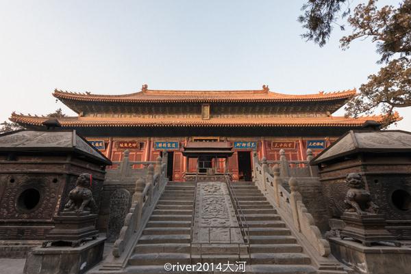 郑州:中岳庙风雨两千载.