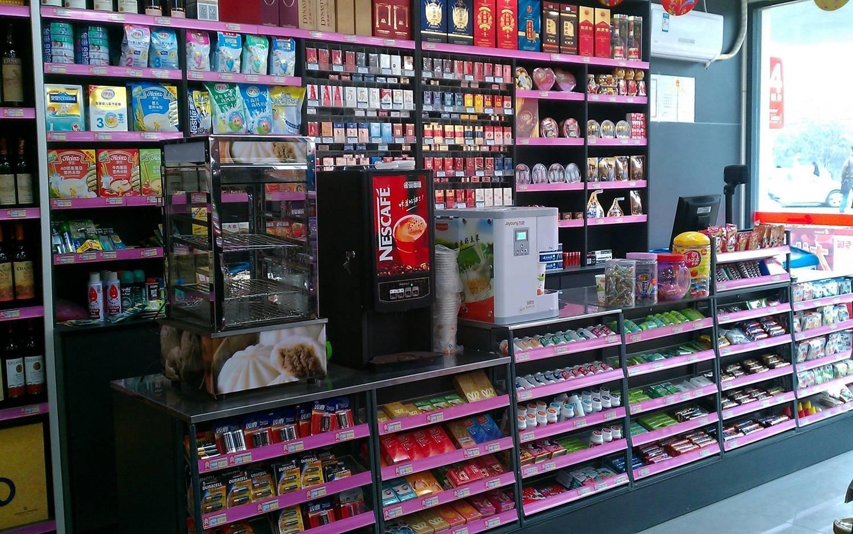 24h的全家集便利店,給年輕人的夜生活一種「特殊服務」