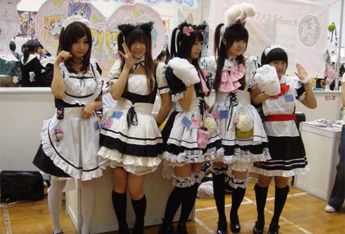 日本逼�9��yl#�+_日本男老师逼女生穿女仆装拍照 全球老师变态行为大