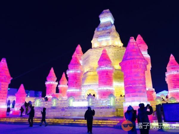 去哈尔滨冰雪大世界_冬天 就要去哈尔滨冰雪大世界这样的童话城堡里疯狂!