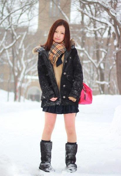 日本女v无码_日本女学生真的不怕冷? 大雪天仍穿短裙露大腿