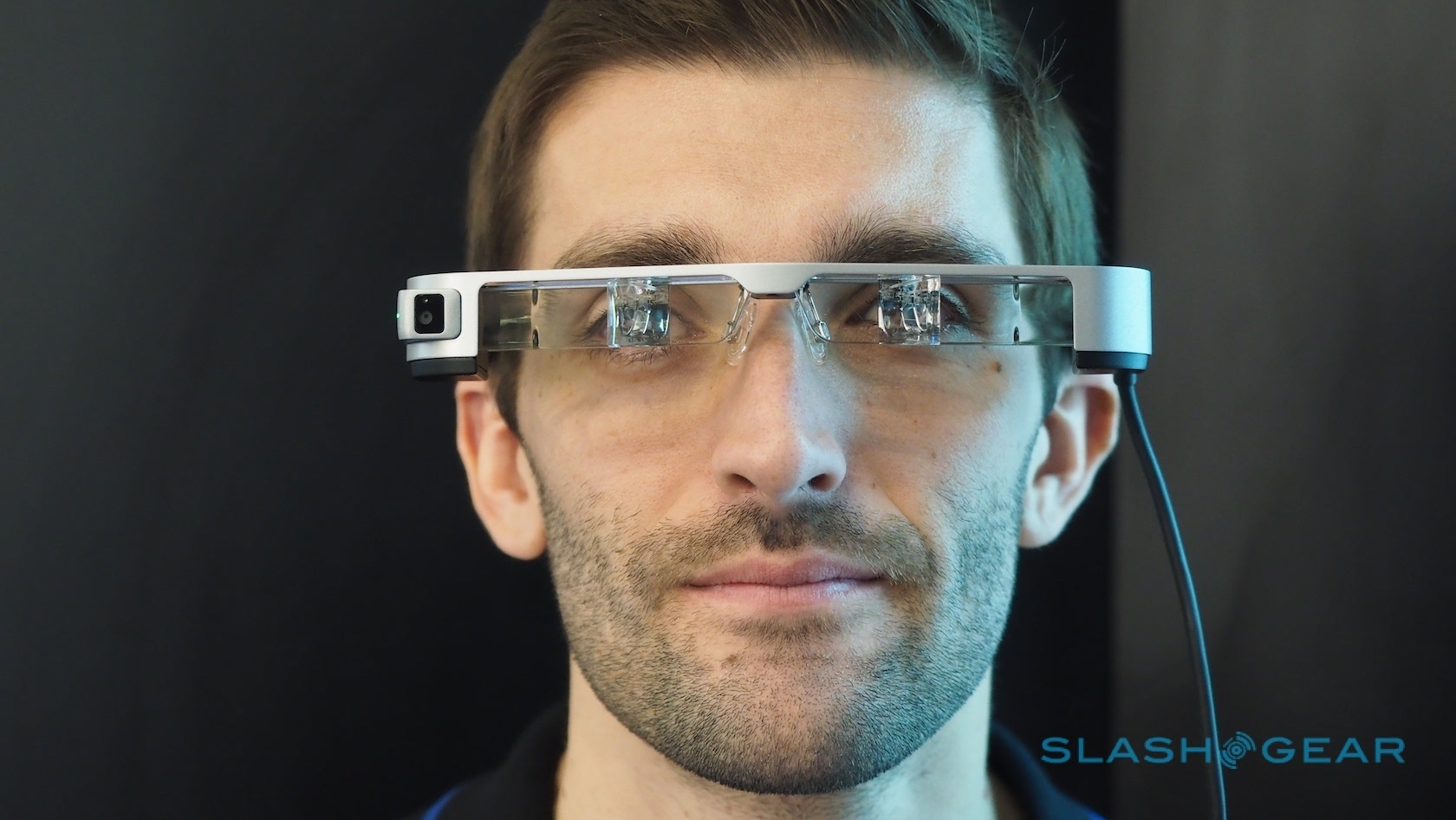 bt无码动物下载_爱普生 moverio bt-300 智能眼镜 mwc2016 现场试玩
