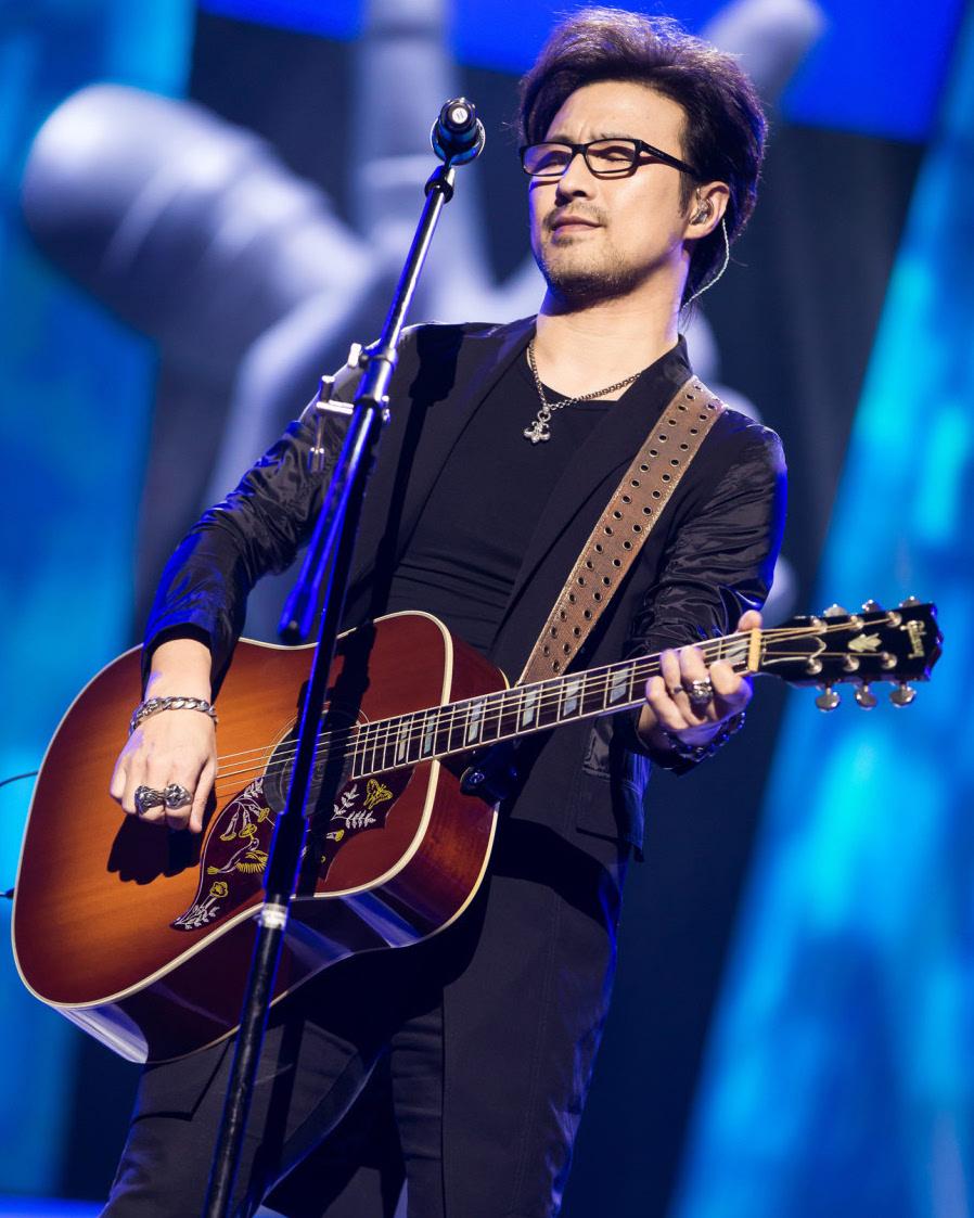 看了他的700首备选歌单后,这季《歌手》我竟然最期待他的表演...