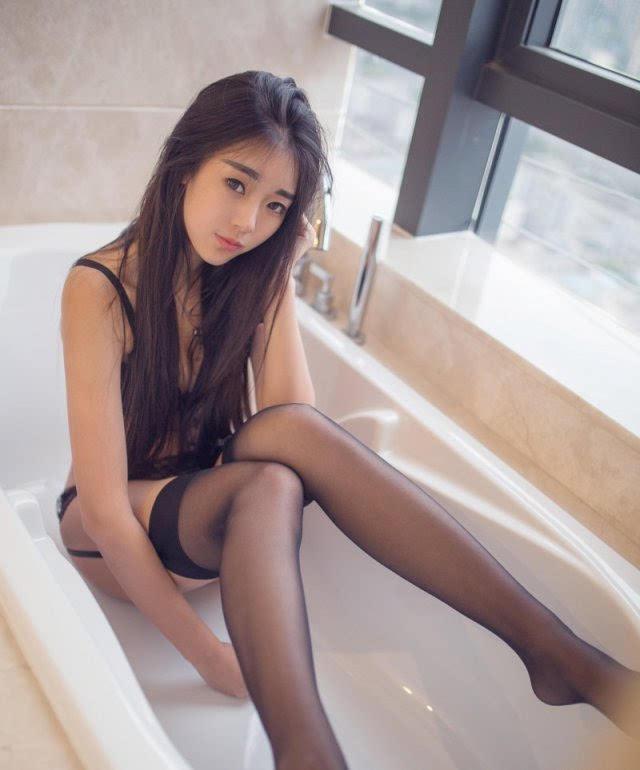 美女掰穴爽_清纯妩媚气质出众 90后性感小美女可乐vicky