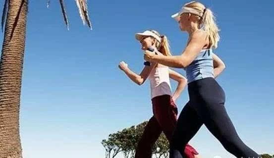 孩子的這3種走路姿勢家長要盡快矯正,小心影響孩子健康圖片