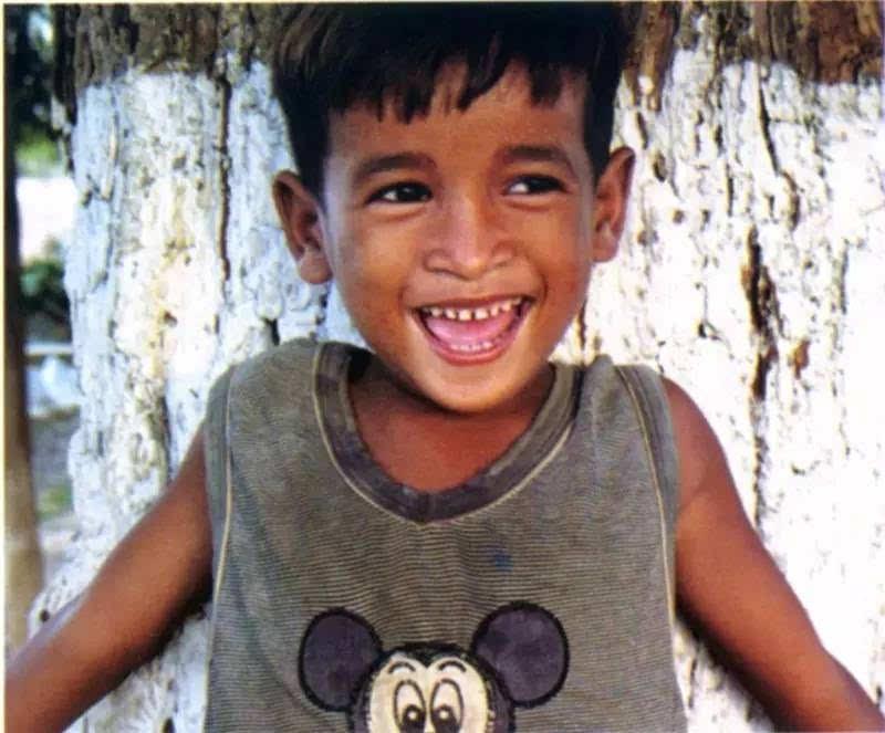 这是一个感人的故事_他们的微笑,有着震撼人心的力量丨一个发生在柬埔寨艾滋病 ...