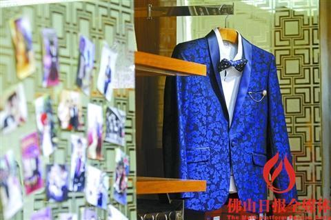 紳士優雅的英倫風,時尚修身的韓版風……從西裝款式設計到顏色搭配,從圖片