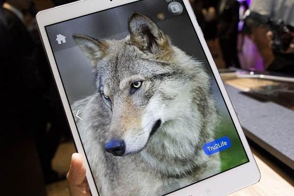 华硕发布ZenPad 3S 10平板电脑 配备9.7英寸2K显示屏的照片 - 1