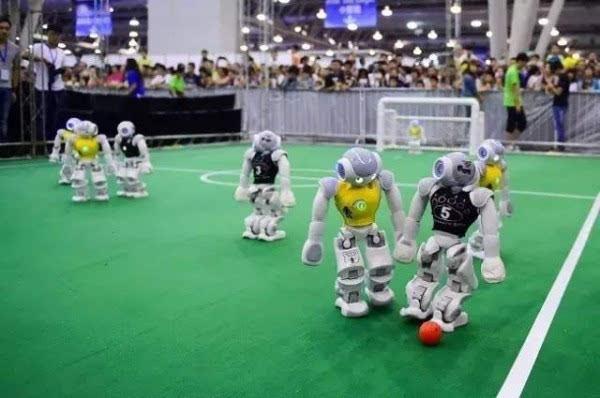 2016机器人世界杯:不容错过的精彩摔倒瞬间的照片 - 2