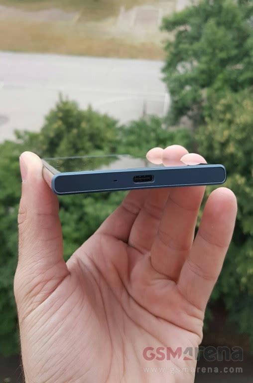 这设计配置?索尼旗舰机型真机曝光的照片 - 5