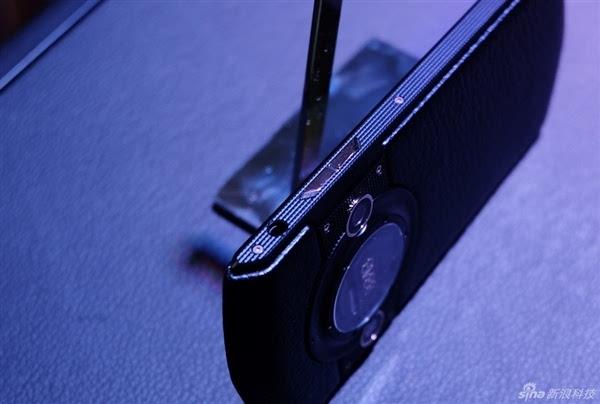 顶配15999元 国产天价手机8848 M3图赏的照片 - 9