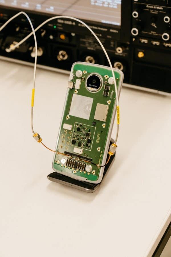 Moto Z幕后故事:联想很疯狂 用搭积木的方式造手机的照片 - 2