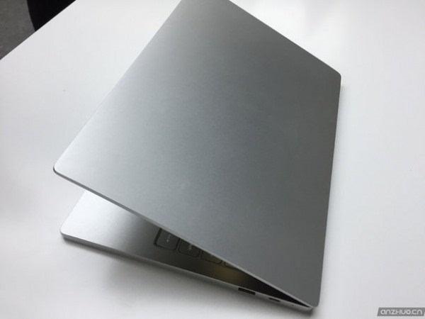 主打轻薄时尚:小米笔记本Air现场图赏 售价3499元起的照片 - 10