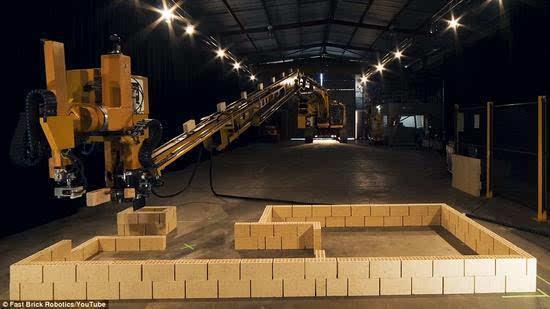 搬砖的要失业了 机器人瓦匠2天内建起一栋楼的照片 - 1