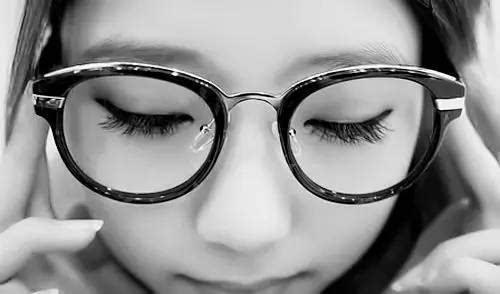 带平光眼镜会近视吗_带近视眼镜眼睛变形了,那带远视镜能矫正回来吗?-
