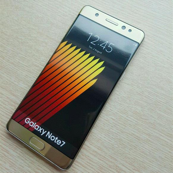 Galaxy Note 7真机曝光:美购买者将可能免费获得Gear Fit 2的照片 - 1