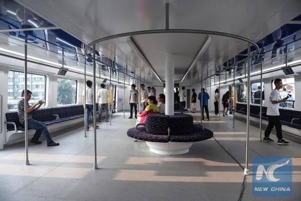 巴铁试验车启动路面测试 车长22米的照片 - 4