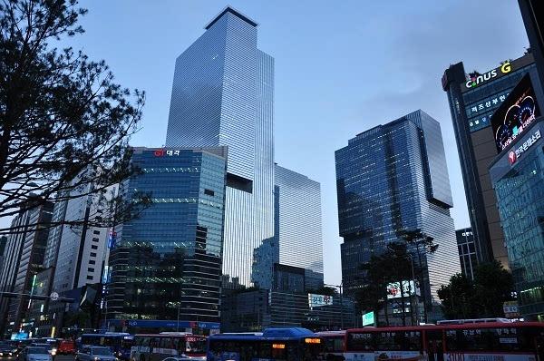 谁会成为亚洲新一哥?三星和腾讯竞争进入白热化的照片
