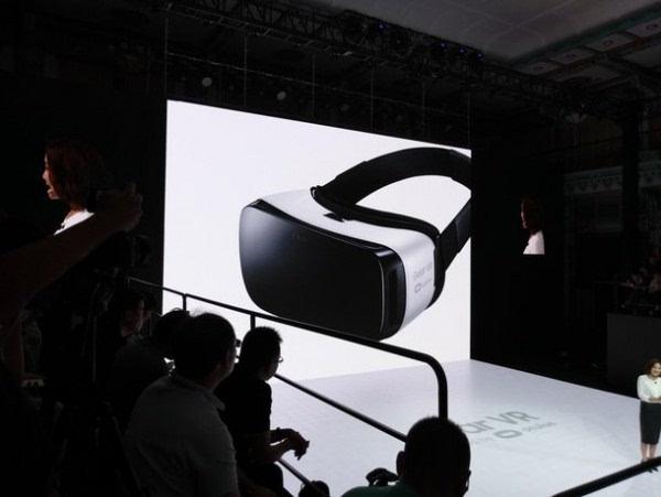 充满科技感的产物:三星发布新一代Gear VR设备的照片 - 3