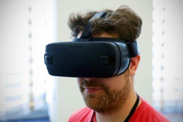 充满科技感的产物:三星发布新一代Gear VR设备的照片 - 5