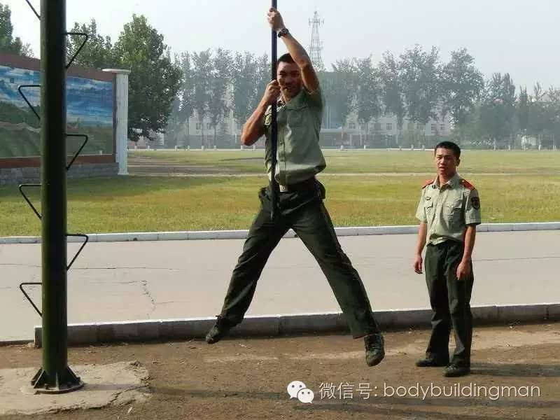 军警被虐_肌肉军警帅哥被捆绑受刑是那部电影 影视