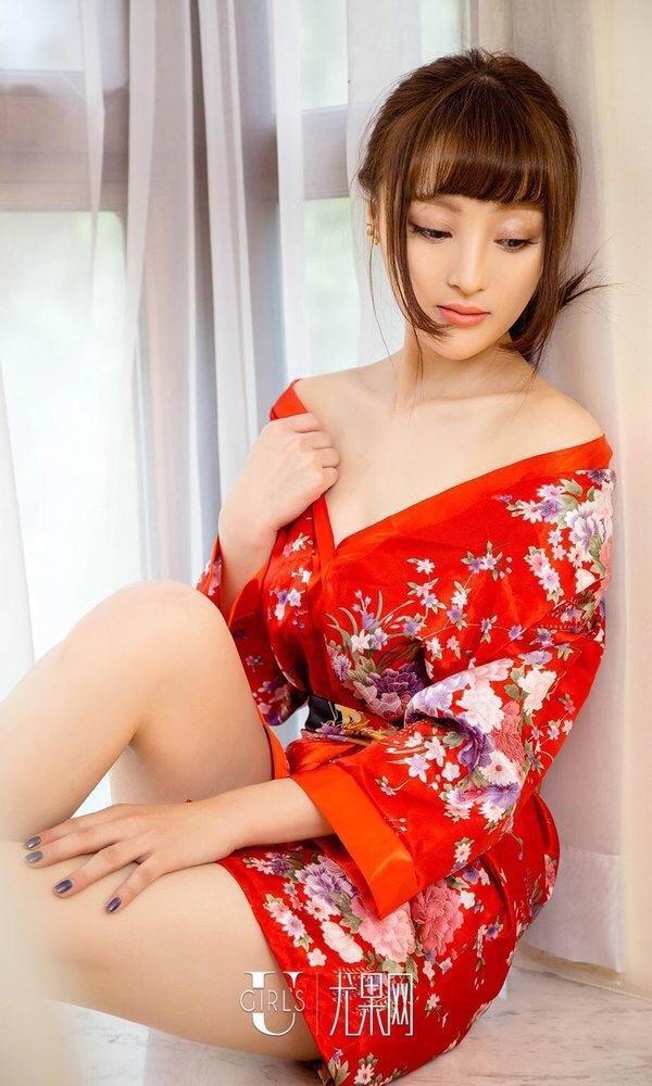 美女掰穴爽_优果网性感古装美女
