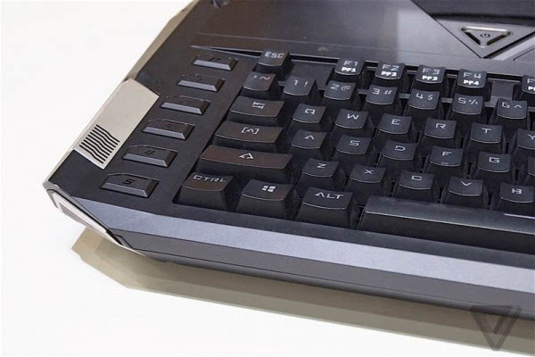 Acer Predator 21 X游戏本亮相: 21吋2K弧形屏+双GTX1080的照片 - 11