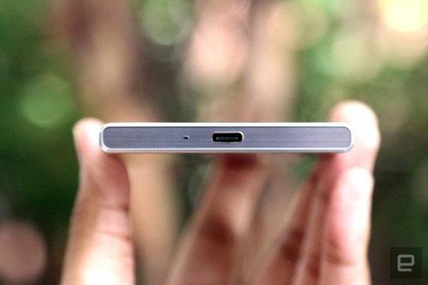 索尼正式发布Xperia XZ智能手机的照片 - 5