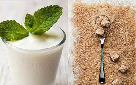 红糖加酸奶能减肥_这样喝酸奶能年轻10岁!美女们赶紧收了