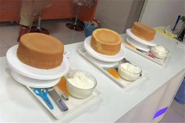 【蛋糕diy活動報名】baby,世界那么大,快來卓美雙井校區happy吧!圖片