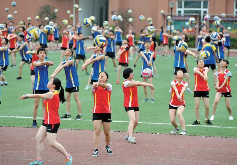 学生操老师视频_贵阳市第一实验小学和中学老师自创趣味课间操
