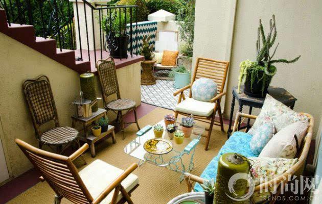 北非美少妇艳照_这个角落里,地砖,院墙和布艺都带了一点北非风格,与上图的黄色陶瓷花
