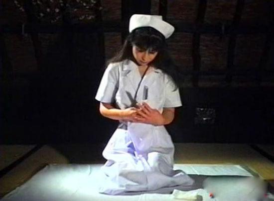 日本女人被男人操_疯狂的日本人:大胸美女主播直播剖腹自杀