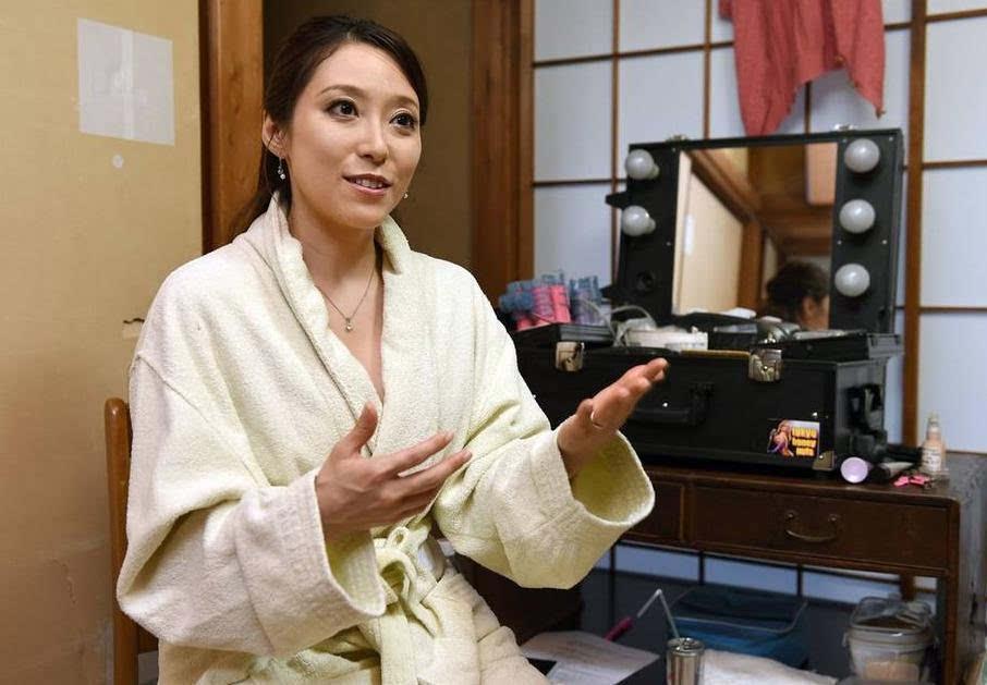 911色情狠狠撸_日本色情片拍摄场地曝光 演员呼吁全日本男性加入