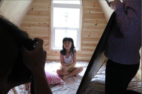 幼女小网站_强奸幼女五年级女生怀孕 6岁女童写真引争议 据香港《明报》网站报道