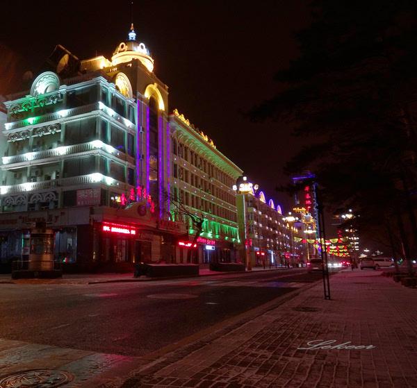 哈尔滨俄罗斯一条街_黑河一城二国 俄罗斯商品一条街有点拉轰